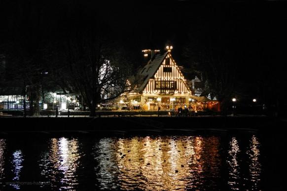 Gasthof am See, Bregenz, Österreich, ein Dezemberabend, 2017