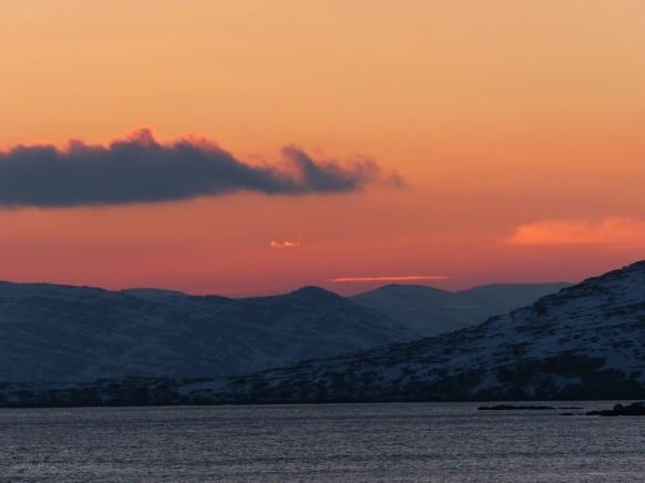 Sonnenaufgang nahe Hammerfest, südgehende Hurtigrute, Februar 2018