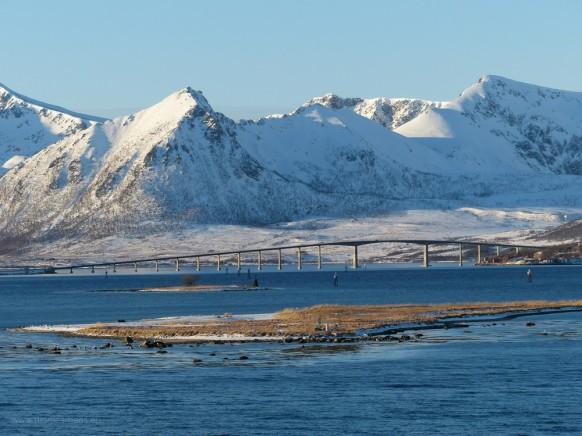 Die Brücke bei Risøyhamn, Risøyrenna, Februar 2018