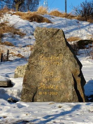 Gedenkstein in Risøyhamn, Februar 2018