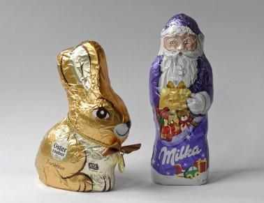Schokoladenfiguren: Osterhase und Nikolaus