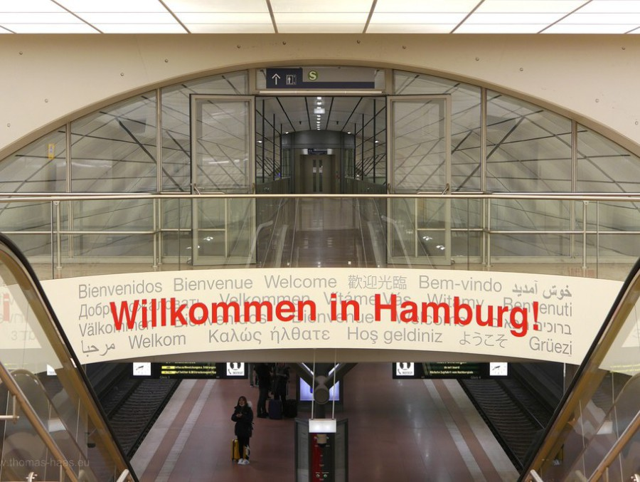 Begrüßung an der S-Bahn-Station, März 2018