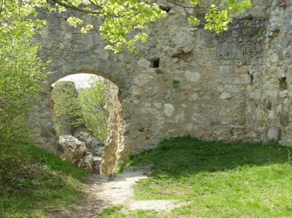 Pallas der Burg Niederhaus, April 2018