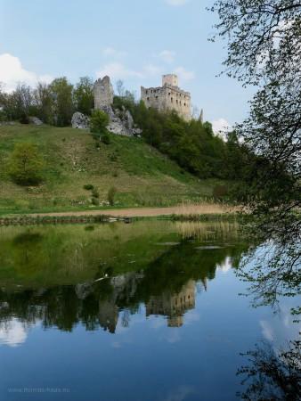 Spiegelung Burg Niederhaus, April 2018