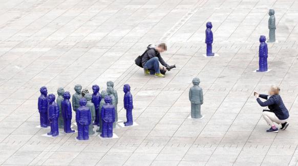 Einstein-Skulpturen und Fotografen, Münsterplatz Ulm, Mai 2018