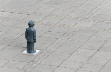 Einzelfigur auf dem Münsterplatz, Mai 2018