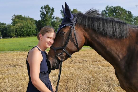 Pferd und Reiterin, Portrait, Juli 2018