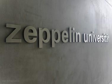 Schriftzug der Zeppelin-Universität, 2018