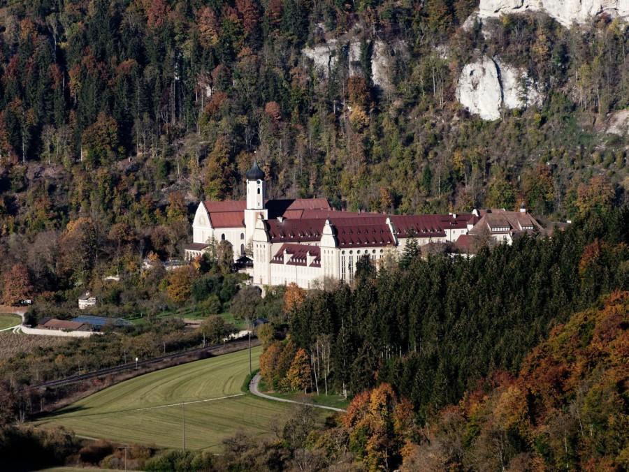 Kloster Beiron vom Knopfmacher-Felsen. 2018