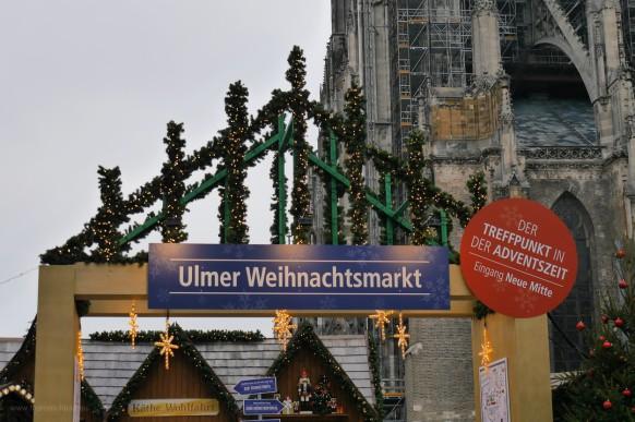 Einer der Eingänge zum Weihnachtsmarkt