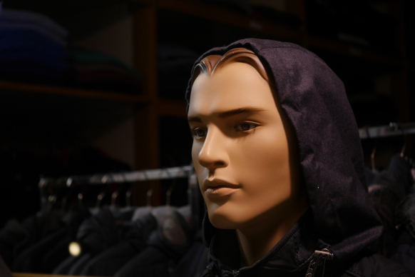 Bekleidungsgeschäft in der Ladenzeie, Damp, Dezember 2018