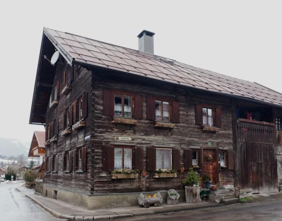 Alte Holzfassade in Oberstdorf, 2019