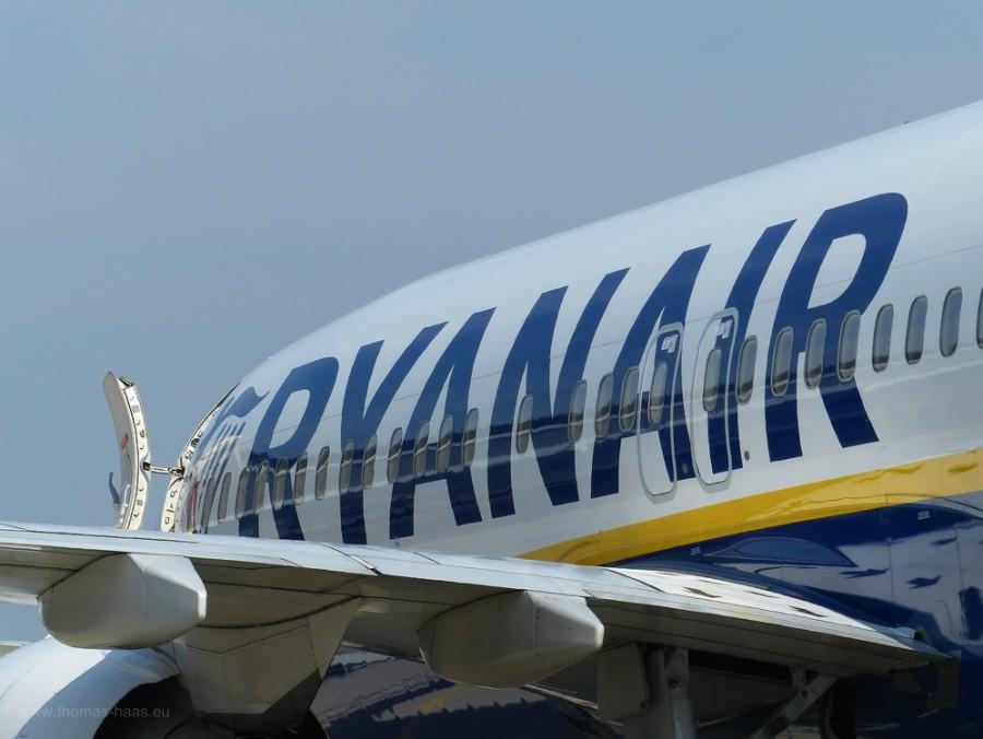 Schriftzug und Tragfläche, Ryanair, FMM, 2019