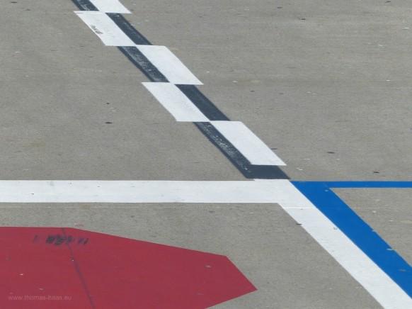 Markierungen am Airport FMM, 2019