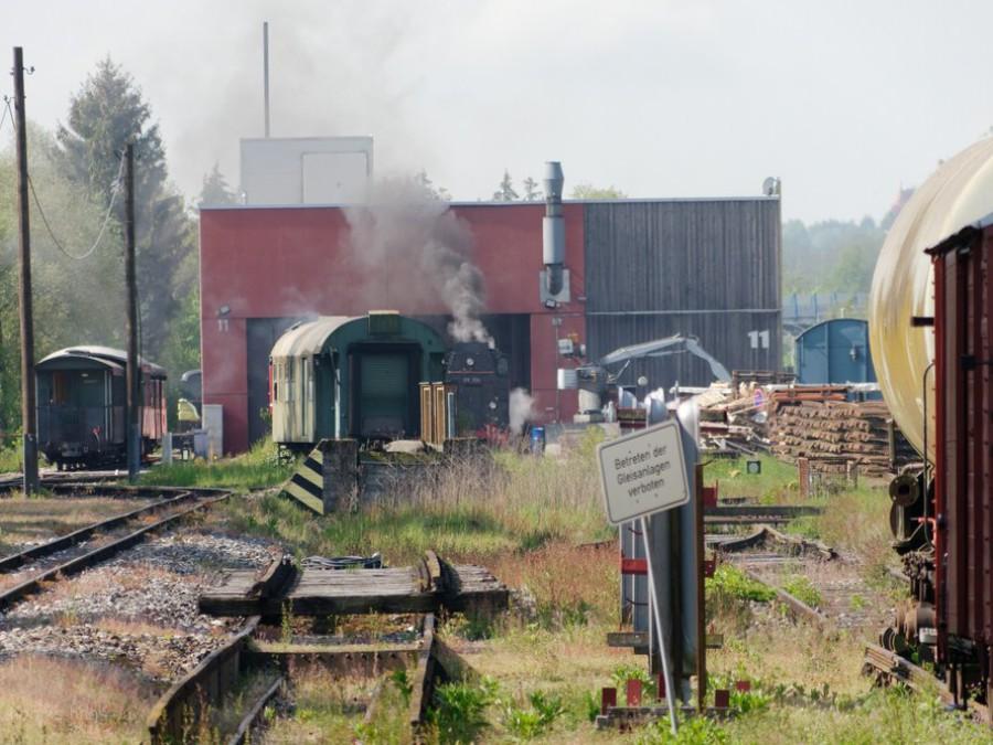 Blick zum Lokschuppein in Warthausen, Mai 2019