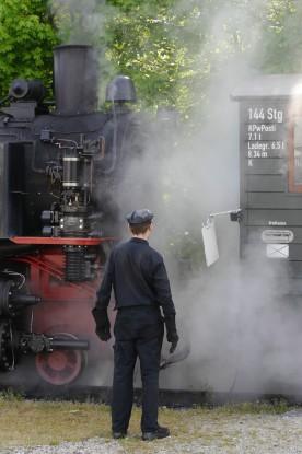 Die Lokomotiver wird angekuppelt...