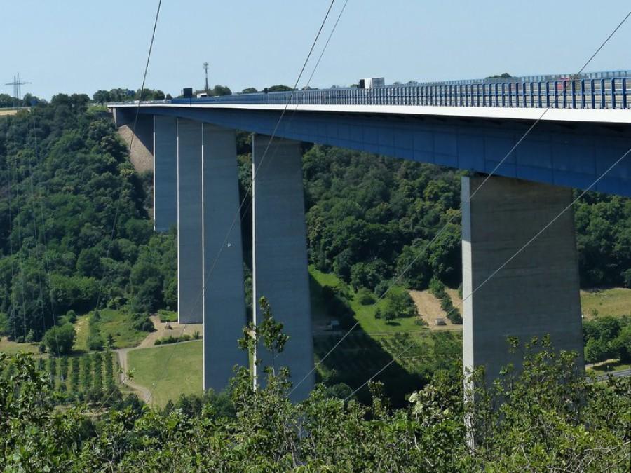 935 m Verbindungsstück an der A61, die Moseltalbrücke...