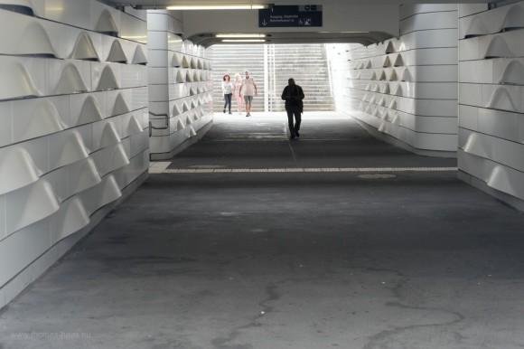 Passage am Bahnhof in GD, benannt nach dem Kunstmaler Hermann Pleuer (1863-1911)