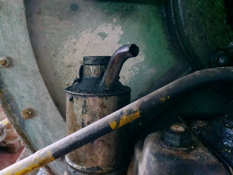 Ölkanne im Maschinenraum, 2019