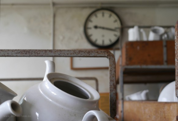 Bild des Monats, Oktober 2019, Die Uhr in der alten Porzellanfabrik, abgelaufen...