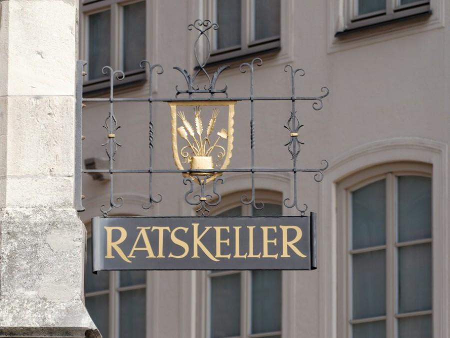 Aushänger Ratskeller, München, 2019