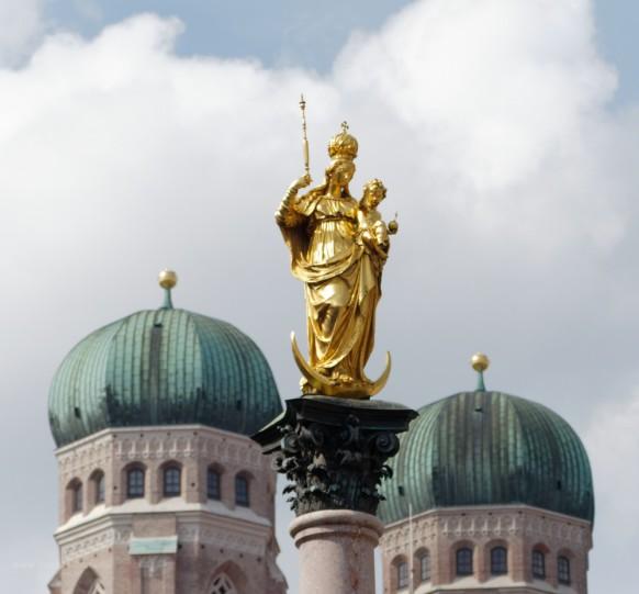 Mariensäule, Statue, Liebfrauendom, Türme, München, 2019