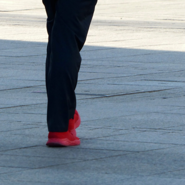 Rote Schuhe auf dem Münsterplatz, März 2020