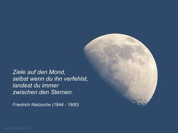 Mond mit Zitat von Friedrich Nitzsche, März 2020