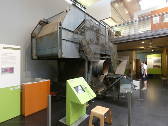 Historische Hopfenpflückmaschine...