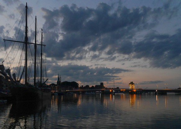 Klappbrücke in Kappeln, Abenddämmerung, Juli 2021