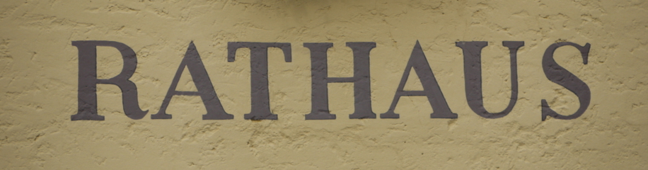 Weißenhorn, Rathaus, Schriftzug