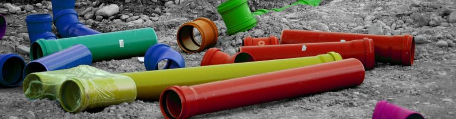 Kunststoffrohre gefärbt