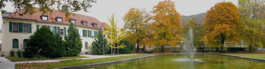 Verwaltungsgebäude im Herbst 2016